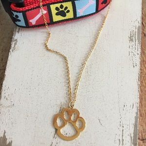 🐾 Adorable Gold Tone Paw Print Necklace